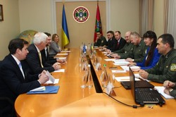 A meeting was held with representatives of the International Center for Migration Policy Development