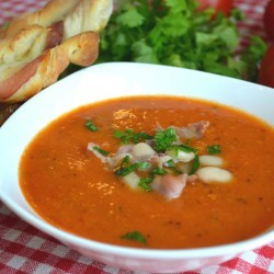 Tomato soup with beans