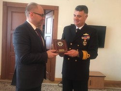 Maxim Stepanov governors met with Jemal Ozden Yazydzhyohlu Vice Admiral, Commander of Regional Command West Turkish Navy.