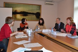 "In Poltava held a ""round table"" on the registration of residence of IDPs"