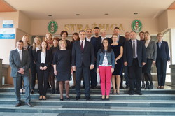 Employees of migration services study the European experience in the international project